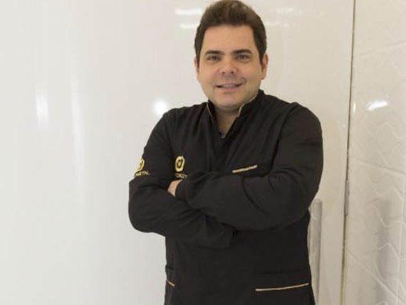 Dr Matheus Moura Martins